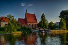 在海岛上的教会在市比得哥什,波兰 库存图片