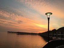 在海岛上的日出 库存照片