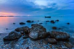 在海岛上的日落在泰国 免版税图库摄影