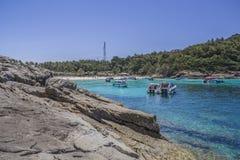 在海岛上的石头 免版税图库摄影