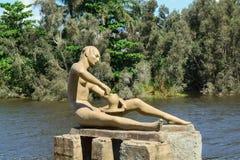在海岛上的雕塑 免版税库存照片
