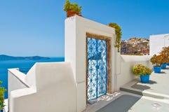在海岛上的Fira建筑学锡拉(圣托里尼) 希腊 免版税库存图片