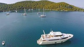 在海岛姆列特岛上的村庄Polace,空中 免版税库存图片