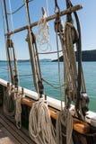 在海岛海湾的高船  免版税库存图片