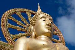 在海岛酸值苏梅岛,泰国的大菩萨雕象 免版税图库摄影