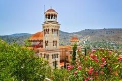 在海岛Aegina,希腊的教会贴水Nectarios 库存图片