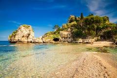 在海岛Isola Bella前面的海滩 免版税库存图片