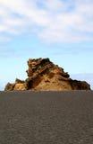 在海岛Lanzarote的岩层 库存图片