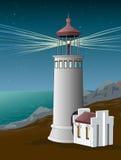 在海岸光烽火台的灯塔夜 满天星斗的天空 地标 海岸传染媒介 库存图片