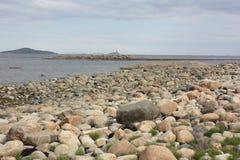 在海岸的冰砾 免版税库存图片