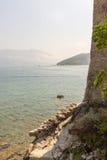 在海岸的堡垒墙壁在布德瓦,黑山 免版税库存图片
