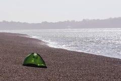 在海岸的帐篷 库存图片