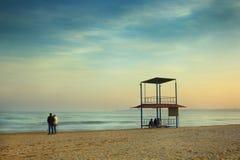 在海岸的晚上 免版税库存照片