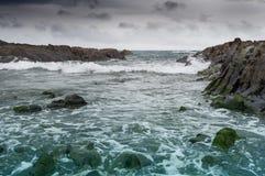 在海岸的波浪 库存图片