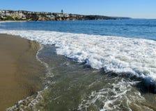 在海岸的海浪 库存图片