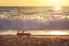 在海岸的玩具 库存图片