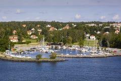 在海岸线的警告烽火台在瑞典群岛在斯德哥尔摩外面 库存图片