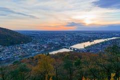 在海得尔堡,德国-一种秋季都市风景的日落 免版税图库摄影