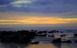 在海日出美丽的国家的日出 免版税库存图片