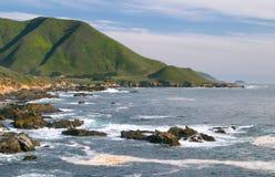 在海洋太平洋sur附近的大海岸 免版税库存照片