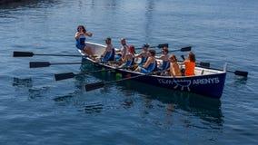 在海洋的划船队在Palamos,肋前缘Brava在西班牙 05 20 2018年西班牙 免版税库存照片