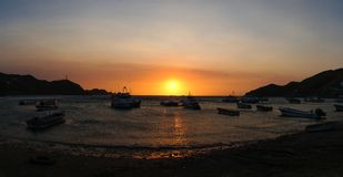 在海洋的日落在哥伦比亚 免版税库存图片