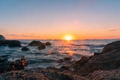 在海洋的秀丽日落 免版税库存图片