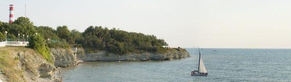 在海海滩的灯塔 免版税库存图片