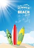 在海海滩的水橇板 免版税库存图片
