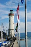 在海港入口的灯塔在Lindau 免版税库存照片
