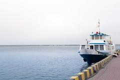 在海港的船 免版税库存照片