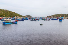 在海湾怀有的渔船 库存照片