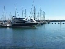 在海湾的小船 库存照片