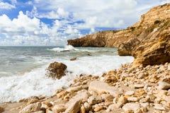 在海湾的海浪 免版税图库摄影