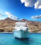 在海湾的游艇 免版税库存照片