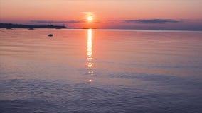 在海湾的美好的橙色日落 影视素材
