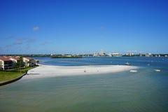 在海湾里面的海滩 库存照片