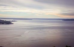 在海湾附近的日落 图库摄影