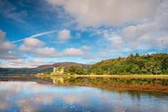 在海湾Fyne的城堡拉克伦 库存照片