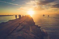 在海滨del Rey的日落 库存图片