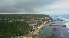 在海滩和海岸的鸟瞰图 影视素材