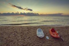 在海滩的两paddleboards 免版税库存照片