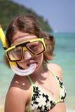 在海滩的儿童snorkeler 库存图片
