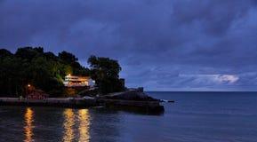 在海滩的光反射 免版税库存照片