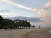 在海滩的地平线视图 免版税库存照片