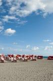 在海滩的完美的日子 库存图片