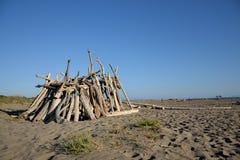 在海滩的小屋 免版税图库摄影