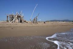 在海滩的小屋 免版税库存照片