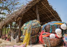 在海滩的小渔小屋 免版税库存照片