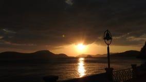 在海滩的日落在普吉岛泰国 图库摄影